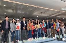 Vietnamese citizens return home from Australia, New Zealand