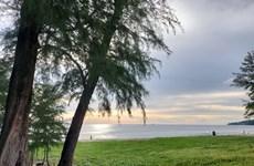Thai PM stresses beach regulations