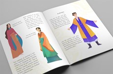 Bilingual book introduces Vietnamese costumes in 15th century