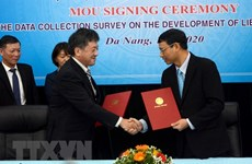 Da Nang, JICA shake hands in Lien Chieu Port development