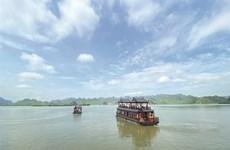 Largest pagoda complex beckons tourists, pilgrims