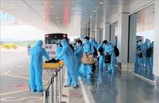 150 Japanese experts land at Van Don int'l airport