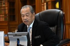 Malaysian PM calls for ASEAN's further cooperation to overcome crisis