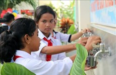 Novaland helps students in Binh Thuan access clean water