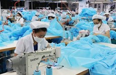Japanese firm to invest in protective clothing factory in Vietnam
