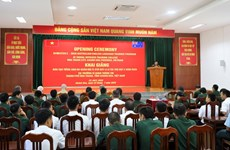 Australia-sponsored English course opens for Vietnamese soldiers