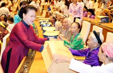 "Heroic Vietnamese Mothers are ""silent soldiers"": NA Chairwoman"