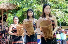 Exhibition to highlight Co Tu weaving craft