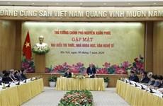 PM pledges favourable conditions for development of intellectuals