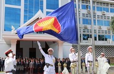 Lao holds flag-raising ceremony to mark ASEAN 53rd anniversary