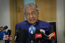 Former Malaysian PM to form new political party