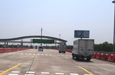 Electronic toll collections begin on Hanoi - Hai Phong Expressway
