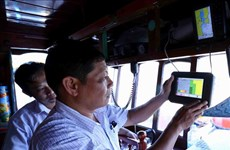 Binh Dinh finishes installing fishing vessel monitoring device