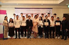 Vietnamese apprentices get rewards for high results in Japanese language test