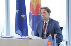 EU presents over 200 masters scholarships to ASEAN students