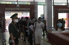 113 illegal Chinese migrants returned via Lao Cai int'l border gate