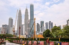 Oxford Economics: Malaysia's economy could shrink by 6 percent in 2020