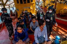 Vietnamese Embassy in Indonesia holds online meeting with detained fishermen
