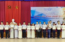 Over 200 Thua Thien-Hue students receive Vallet scholarships