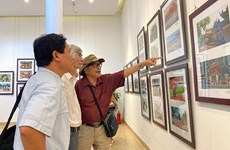Photo exhibition on Hanoi opens