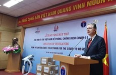 US donates 100 brand-new ventilators to aid Vietnam's COVID-19 response