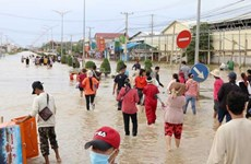 Cambodia: Flooding forces 40 garment factories to suspend operations