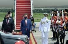 Japanese Prime Minister begins visit to Indonesia