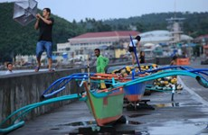 Philippines: nearly 9,000 evacuated as typhoon Molave approaches