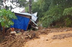PM urges prompt rescue efforts after severe landslide hits central province