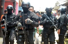 Indonesian police arrest six terror suspects