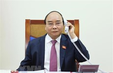 Vietnamese, Lao Prime Ministers hold phone talks