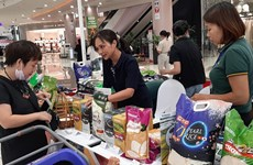 100 stalls introduce farm produce at AEON Mall Ha Dong