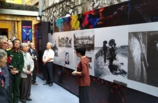 "Photo exhibition on ""Dien Bien Phu in the Air"" victory held"
