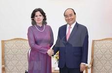Prime Minister Nguyen Xuan Phuc receives outgoing Cuban Ambassador