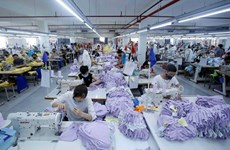 Footwear and textile set for strong bounce back