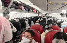 Passengers failing to wear masks on flights face fine of 130 USD