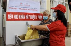 Free rice presented to over 1,300 poor households in An Giang