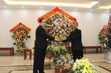 Front leader offers Christmas greetings to Phat Diem Diocese in Ninh Binh