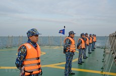 Vietnamese, Chinese coast guards conduct joint patrol in Tonkin Gulf