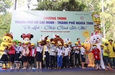 HCM City offers free tours to disadvantaged children, adults