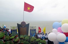 New Year flag-salute ceremony held on country's easternmost point