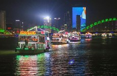 Da Nang resumes night activities on Han River