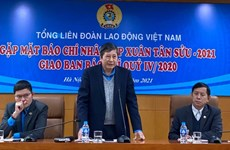 Union confederation extends help to workers as Tet approaches