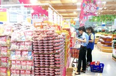 HCM City works to ensure food safety, steady prices during Tet