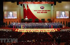 Top Vietnamese leader receives congratulations from Chinese counterpart