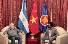 Vietnamese ambassador meets leader of Communist Party of Argentina
