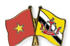 Vietnamese leaders congratulate Brunei on 37th National Day