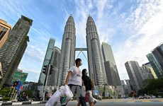 Malaysia's economy to remain on positive growth trajectory