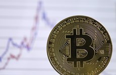 Experts, government agencies warn of risks with trading cryptocurrency