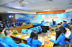 Communist Youth Union's leader holds dialogue with youngsters, children
